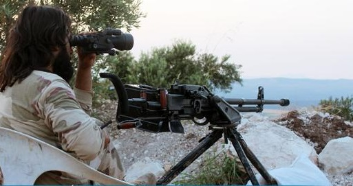 15-08-08-al-nusrah-fighter-on-the-lookout-in-aleppo