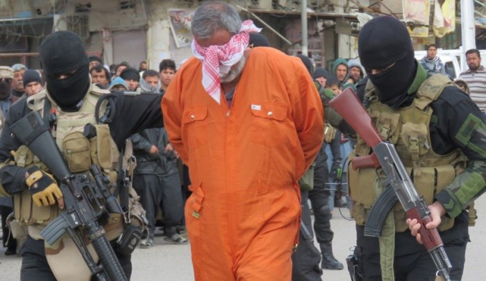 ISIS Executes Dozens of Civilians in Charge of Collaboration with Iraqi Forces in Mosul
