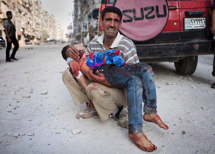 epa_syria_father_dead_child_50546784_ll_121005