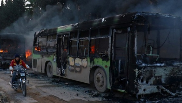 syria_nusra_blamed_for_burning_evacuation_buses_near_aleppo-jpg_1718483346