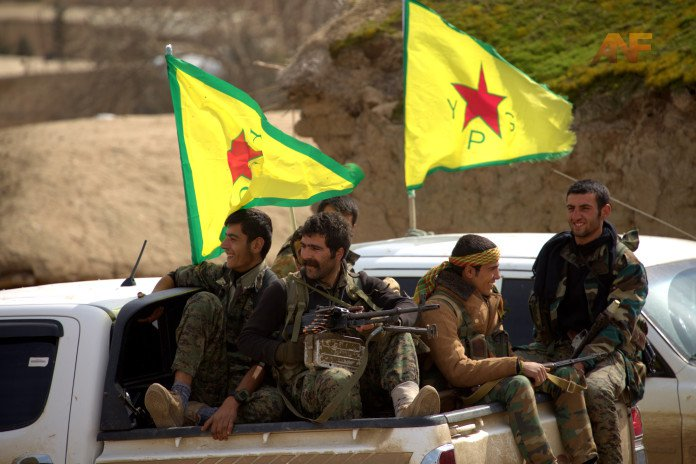 YPG-fighters-pickup-truck-696x464