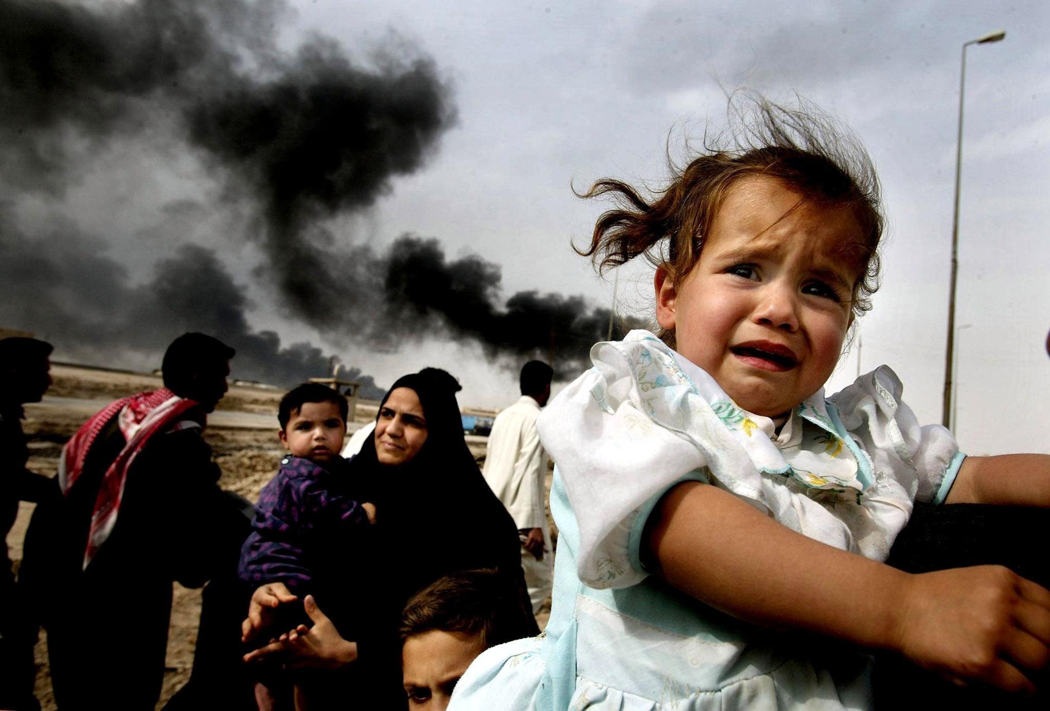 Iraqi families continue to leave Basra i