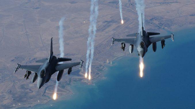 AIR_F-16s_USAF_Iraq_lg-678x381